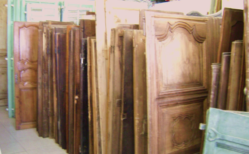 portes anciennes volets achat vente restauration de meubles grasse 06 paca c t portes. Black Bedroom Furniture Sets. Home Design Ideas