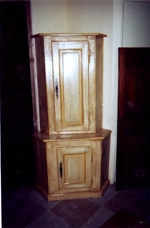 meubles anciens et biblioth ques anciennes restauration l 39 achat et la vente c t portes. Black Bedroom Furniture Sets. Home Design Ideas